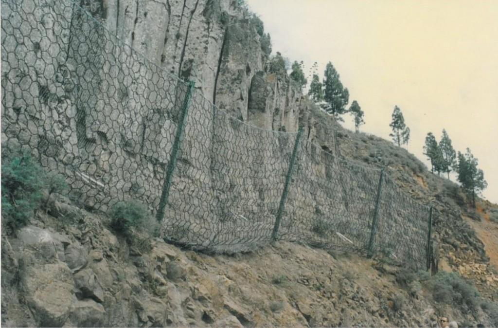 1995-Barrera-Dinamica-GC-230-PK-0-350-MI-Primera-Instalada-en-la-Isla-de-Gran-Canaria-1170x770